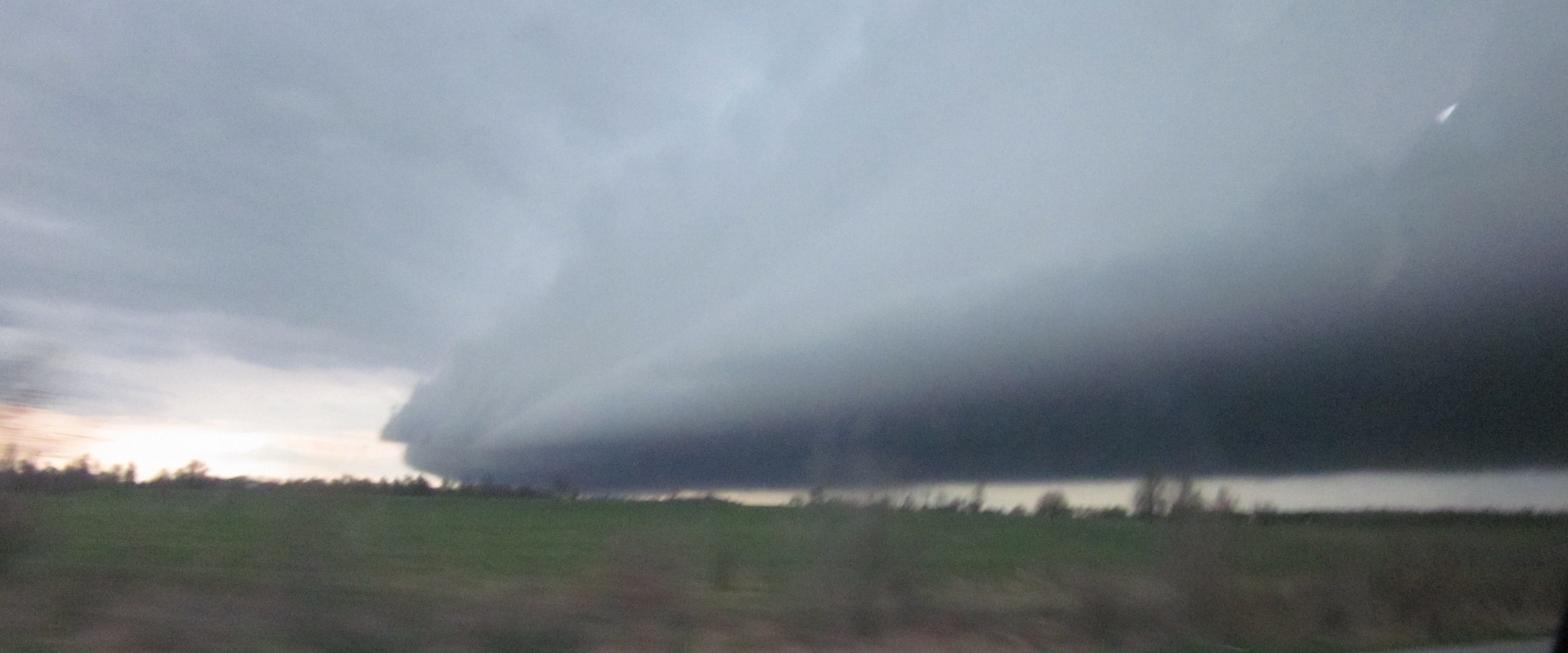 wall cloud SW Missouri