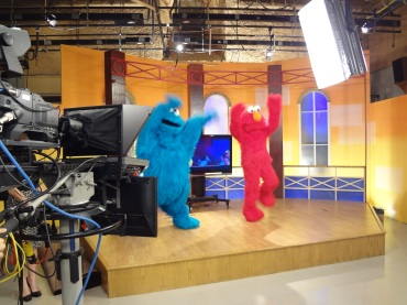 Elmo and Cookie Monster visit 5NEWS