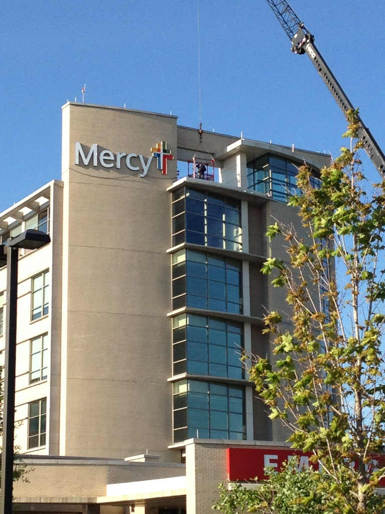 New sign installed on Mercy of Northwest Arkansas in Rogers.