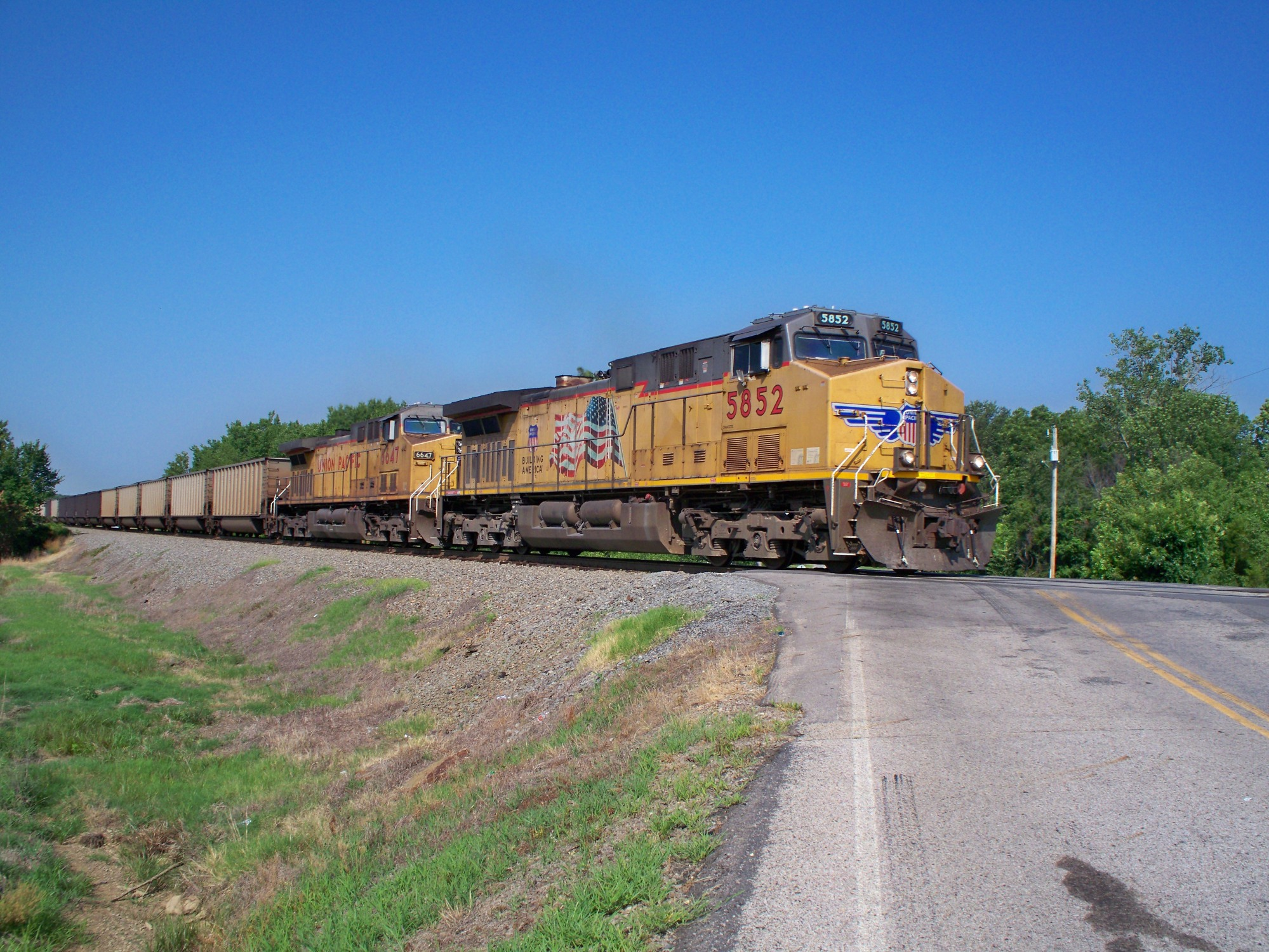 Union Pacific 5852 crossing Hilltop road just East of Van Buren Saturday June 23 2012