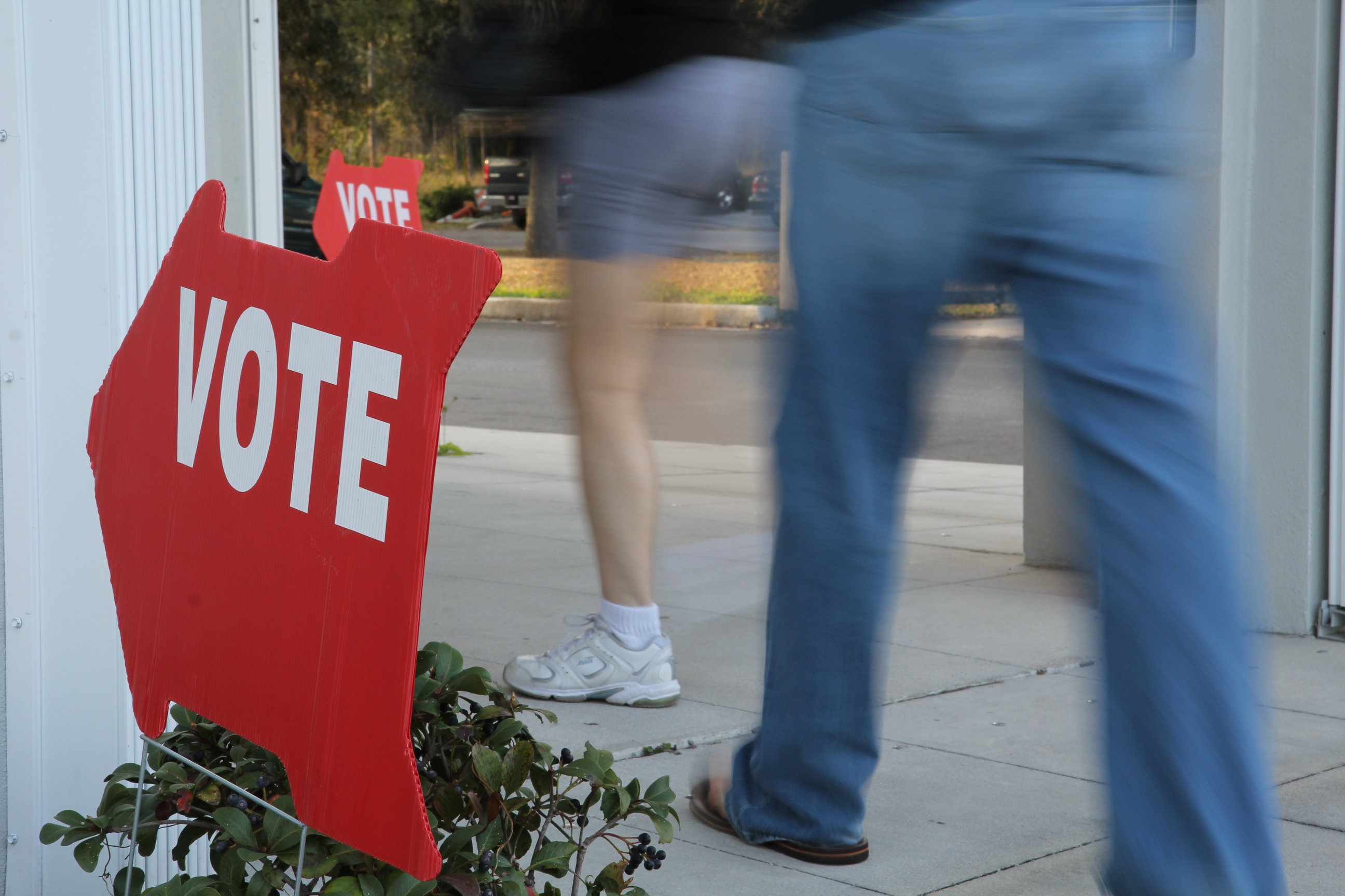 Voters in Tampa Go to the Polls