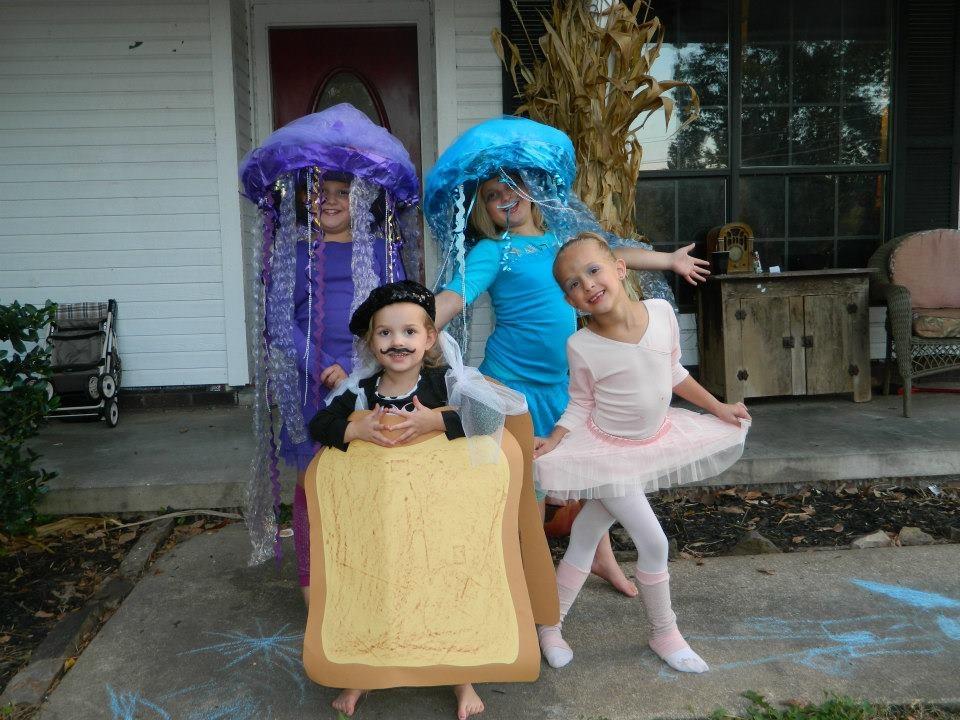 2 Jellyfish, French Bread, & A Ballerina