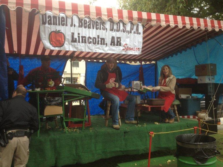 Taste of fall at arkansas apple festival fort smith for Craft fair fayetteville ar