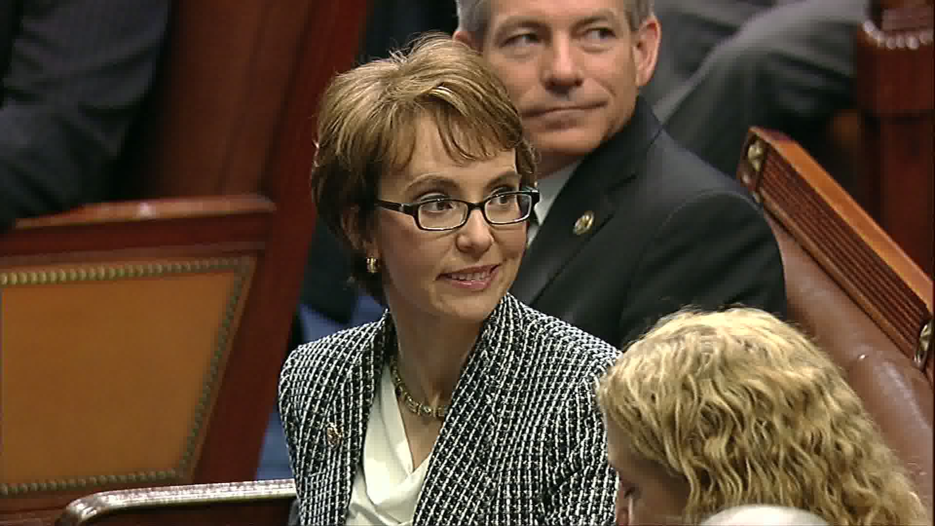 Giffords says good-bye to House collegues