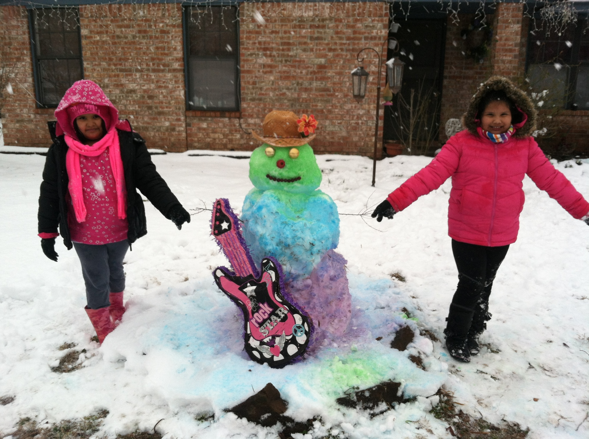 Maira & Yasmine 7 year old cousins from Sallisaw wanted to make a colorful snowman, this is what we came up with, they had so much fun making it.