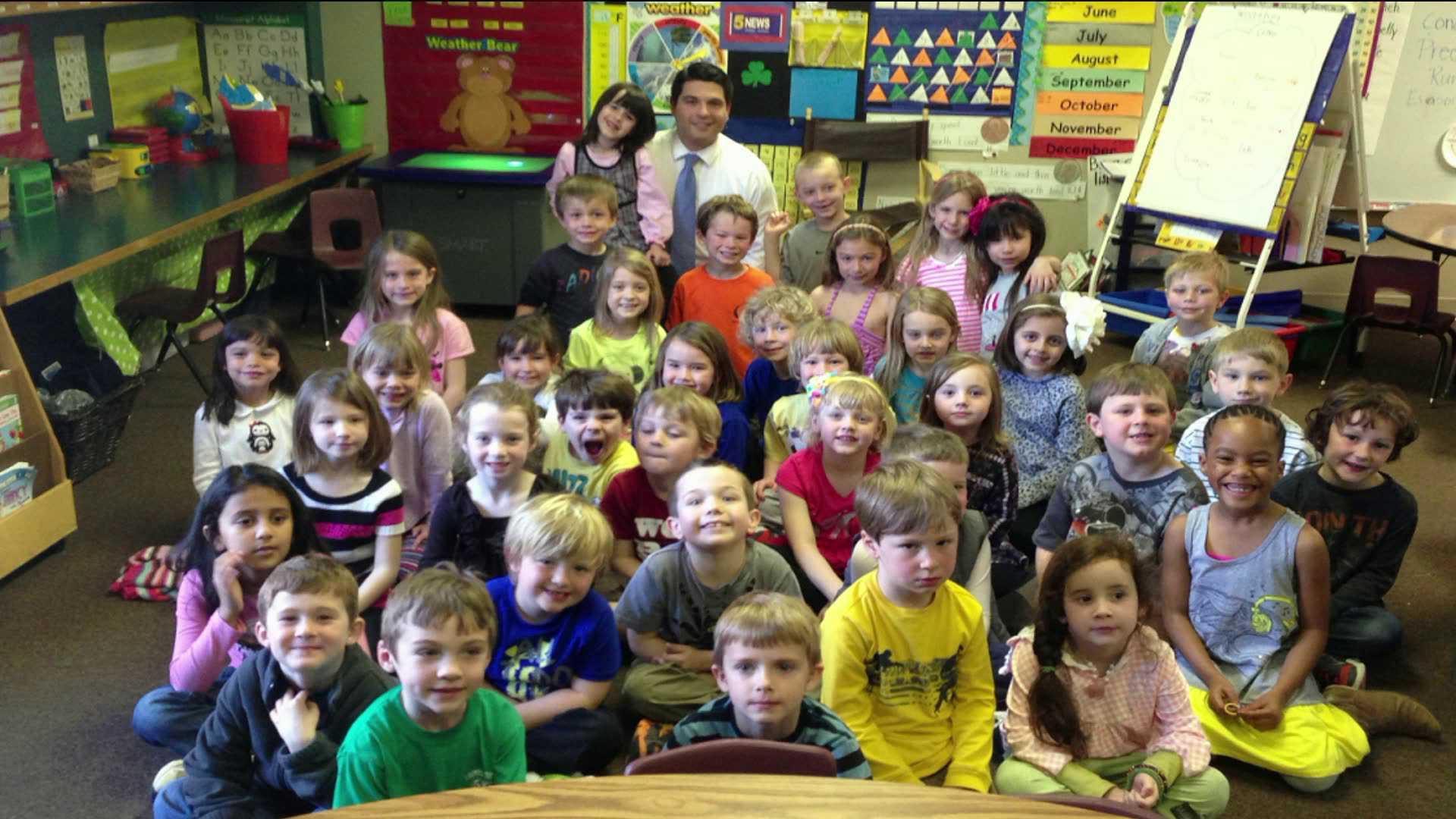 Kindergarteners Meet With 5news Weather Guy 5newsonline Com