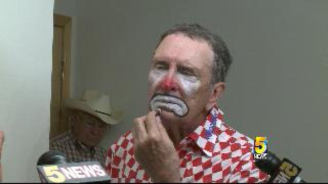 Rodeo Clowns Behind The Scenes 5newsonline Com