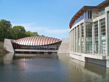 800px-Crystal_Bridges_Museum_of_American_Art--2012-04-12