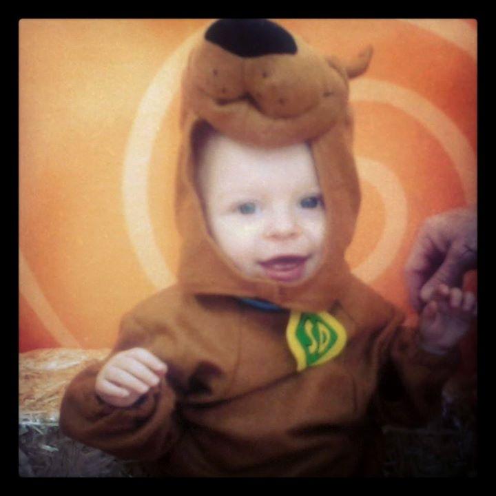 Douglas' First Halloween, Mansfield