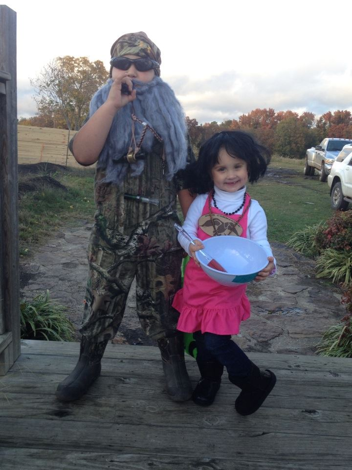 Colton and Braelyn King Trick or Treat as Phil and Kay Robertson in Ozark, AR!