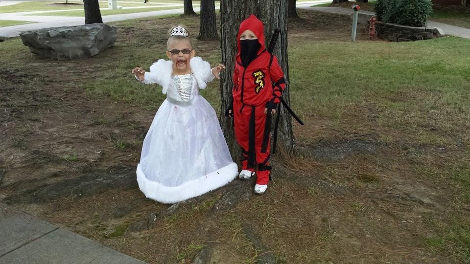Vampire Princess (Makaela Davis) and Ninja (Caden Davis)