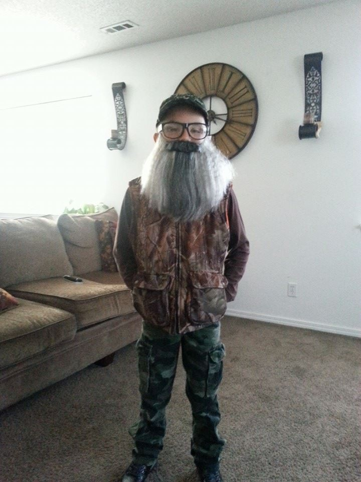 Landon Hiddleston as Uncle Si