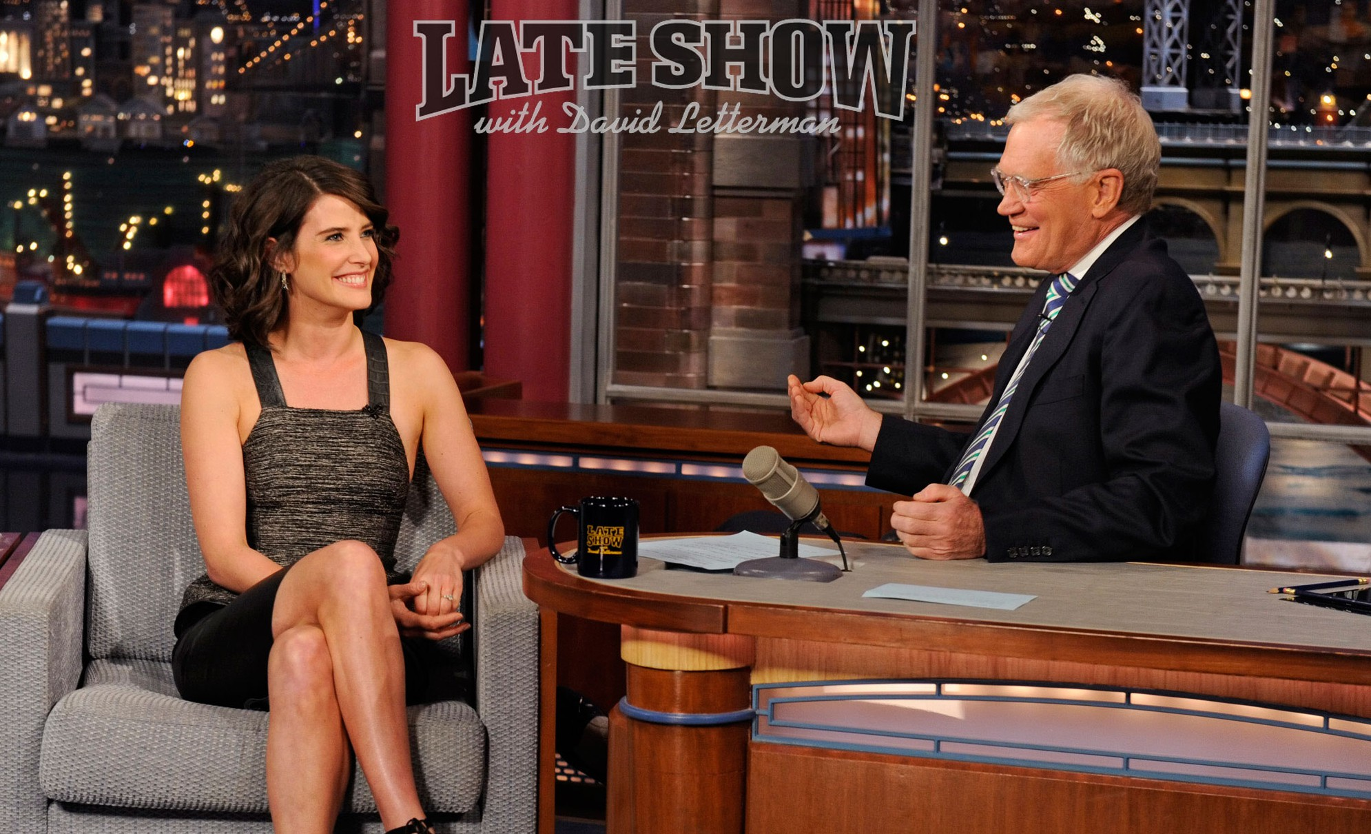 Late-Show-with-David-Letterman-2012-cobie-smulders-31078548-2000-1589