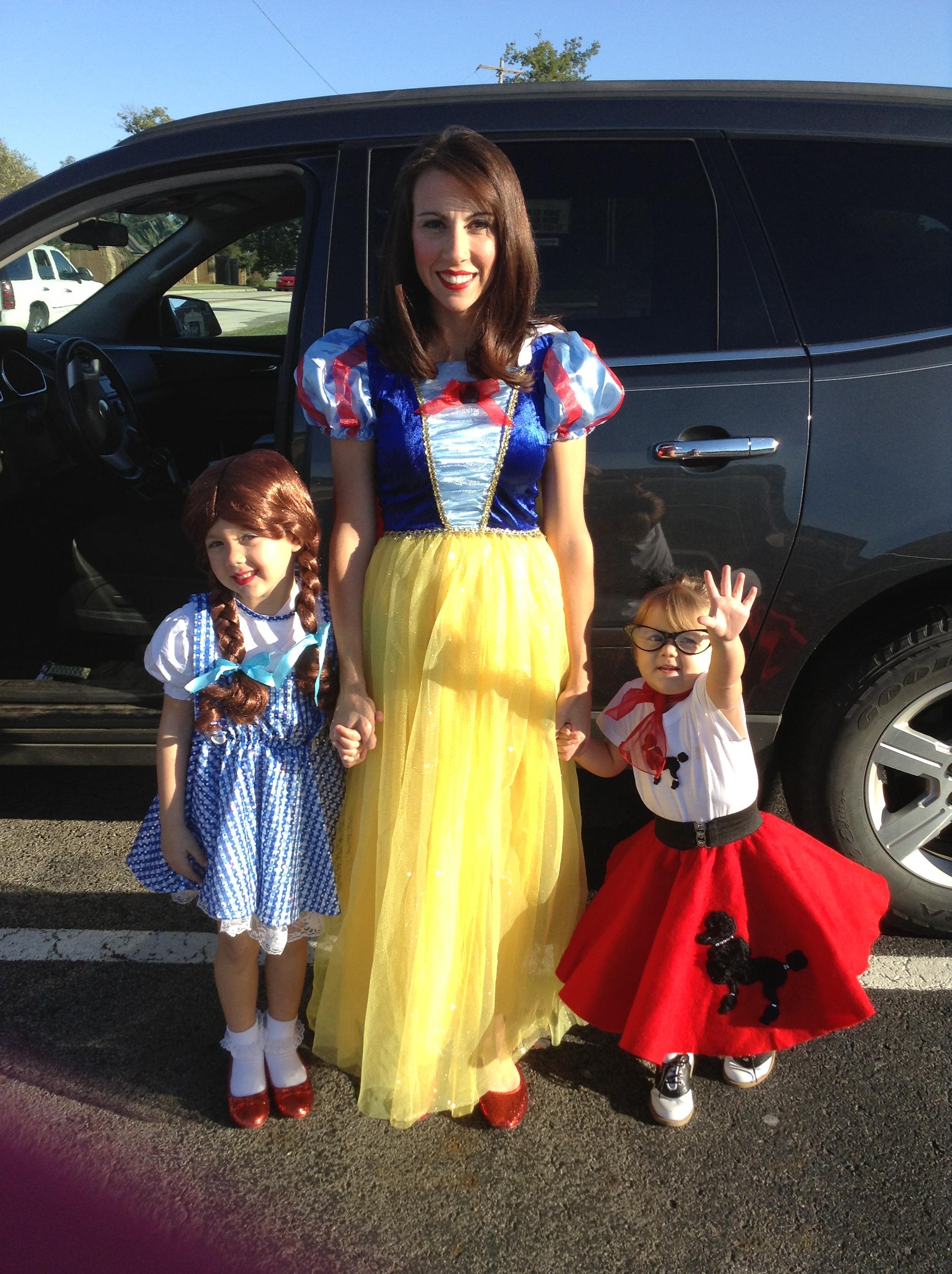Marlee, Charleigh, and Mom