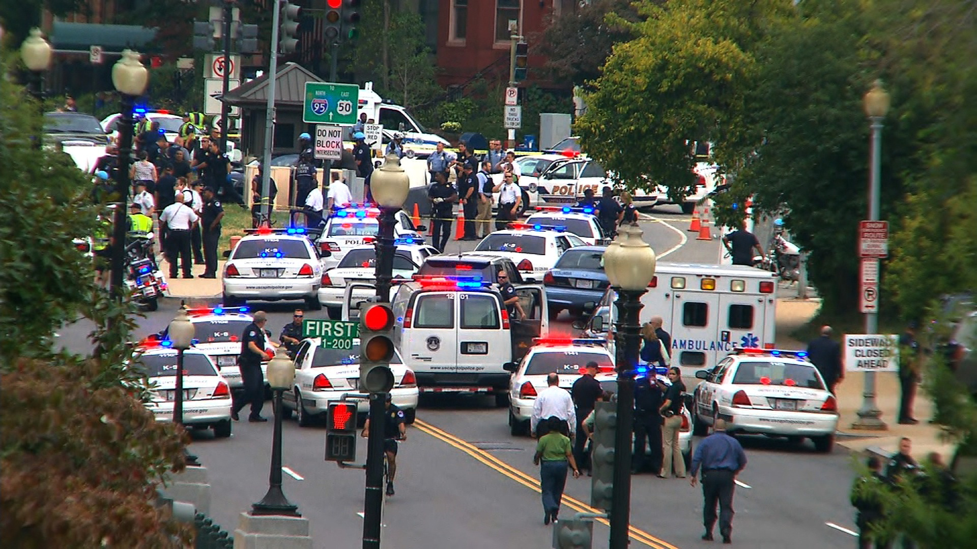 Capitol police respond to reports of shots fired on Capitol Hill Thursday, October 3, 2013 in Washington, D.C.
