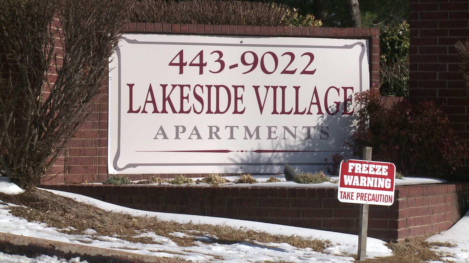 armed robbery lakeside village apts