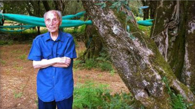 Salvatore Caruso, 108, is the second oldest man in Italy. Like many others in the small Italian town of Molochio, with one of the highest prevalence of centenarians in the world, Salvatore maintained a low-protein, plant-based diet for the majority of his life, but switched to a higher-protein diet after moving in with his son's family once he became frail.