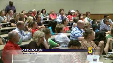 Bentonville Parent Forum Discussing Child Rape Investigation