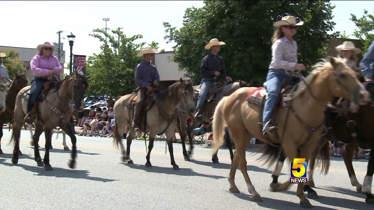 Rodeo Of The Ozark Wraps Up With Parade Fort Smith