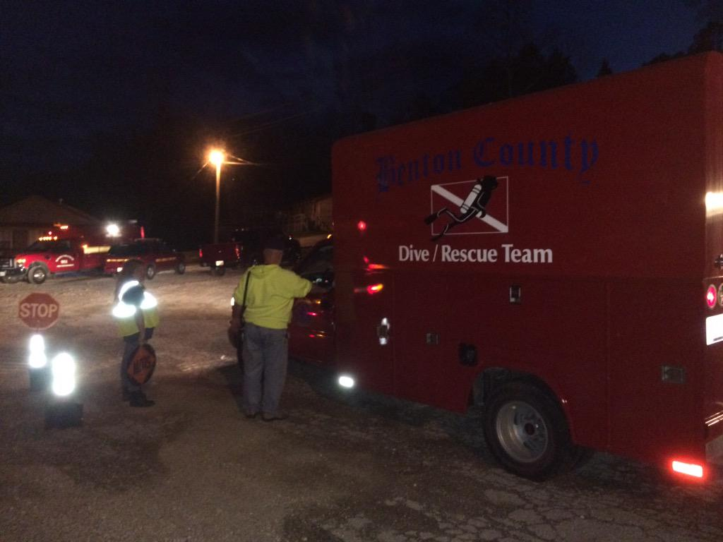 Dive and rescue team assisting in search.