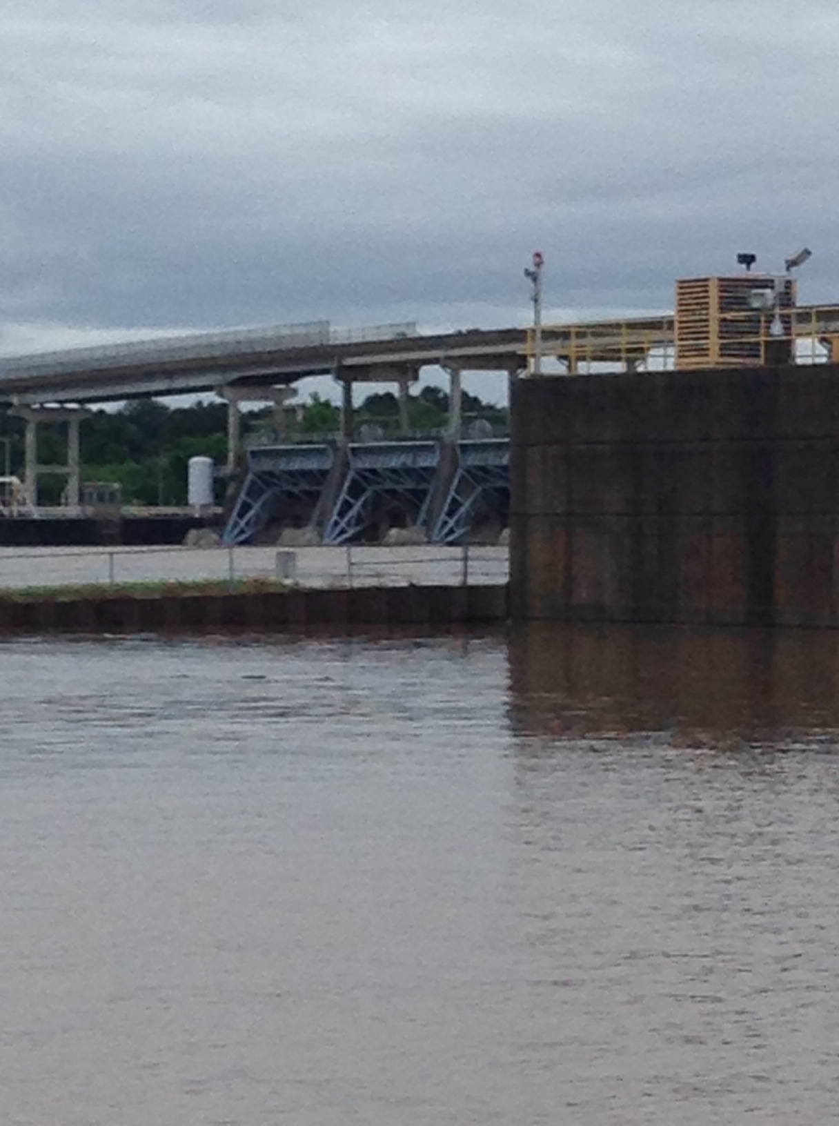 Open gates at Barling Dam from 5NEWS viewer Shane Bibby