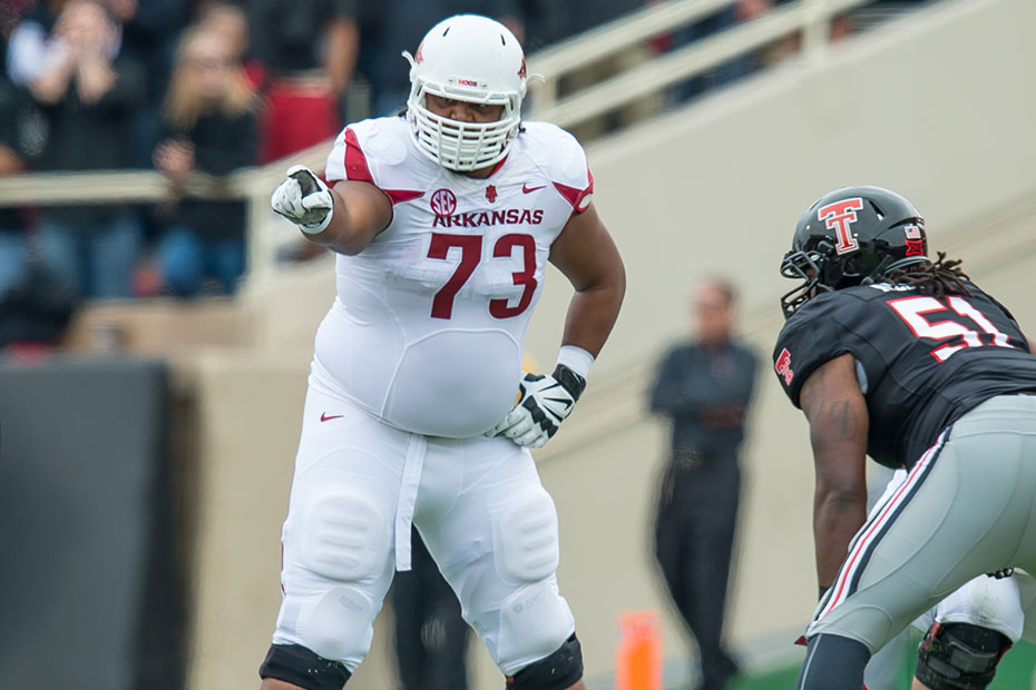 Former Arkansas OL Sebastian Tretola shot in leg, has minor injury