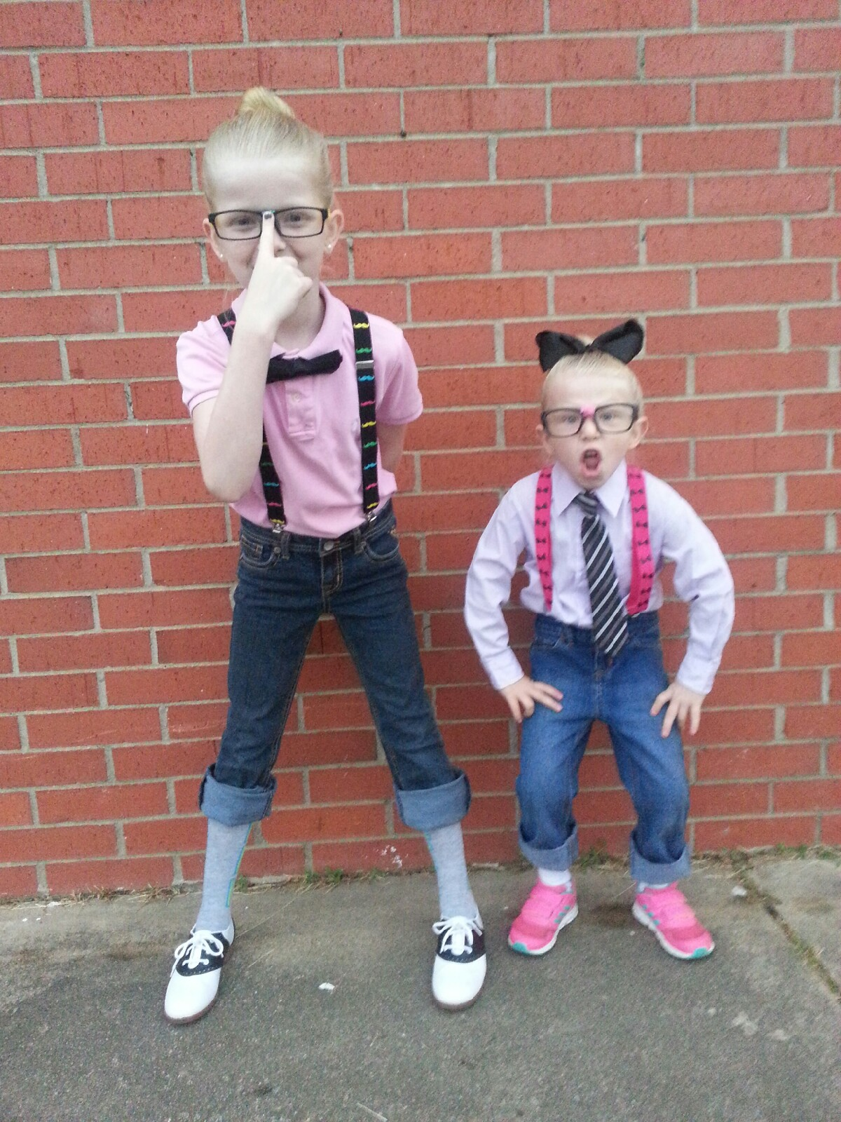 Brooklyn and Addison Adams from Pocola in their nerd outfits