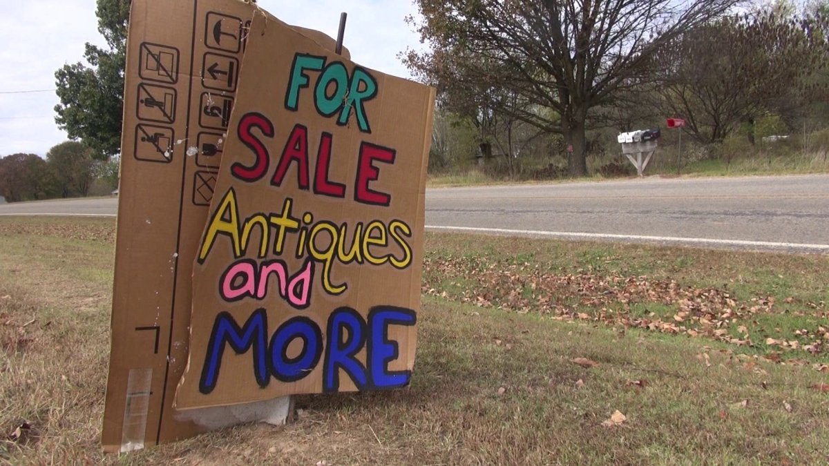 Locals take advantage of war eagle fair crowds fort for Craft fair fayetteville ar