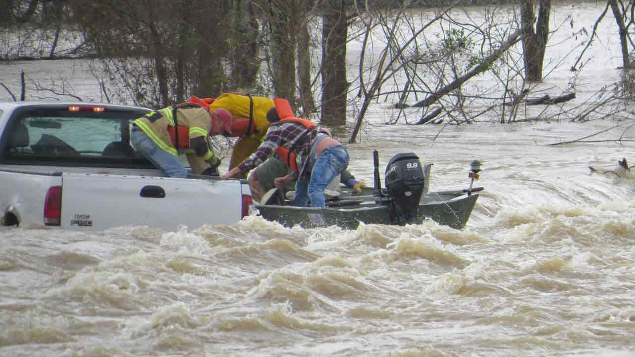 leflore county swift water rescue2