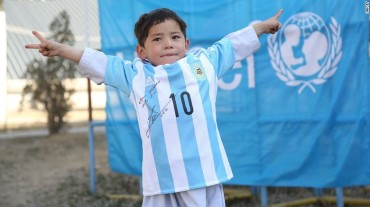 Signed Lionel Messi Jersey kid