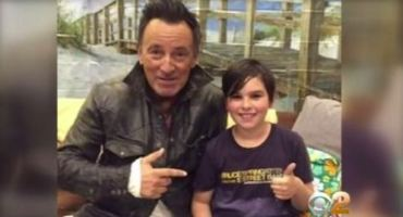 BRUCE SPRINGSTEEN WITH FAN