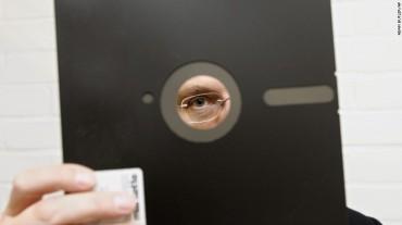 160526124426-floppy-disc-disk-exlarge-tease