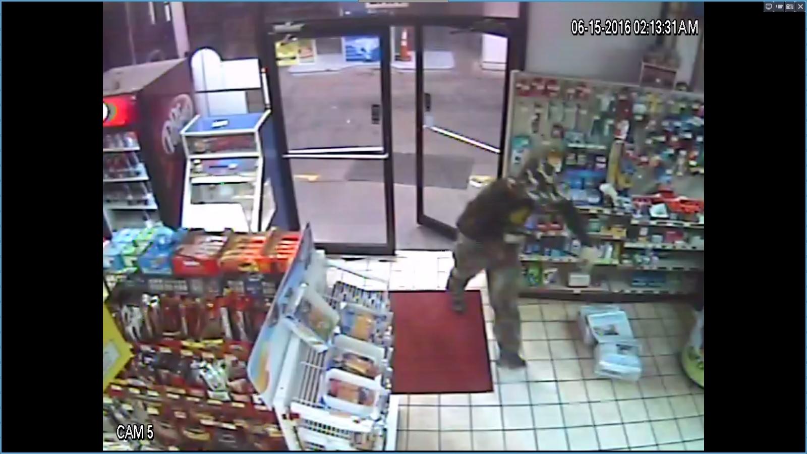 Clarksville Camo Suspect Entering