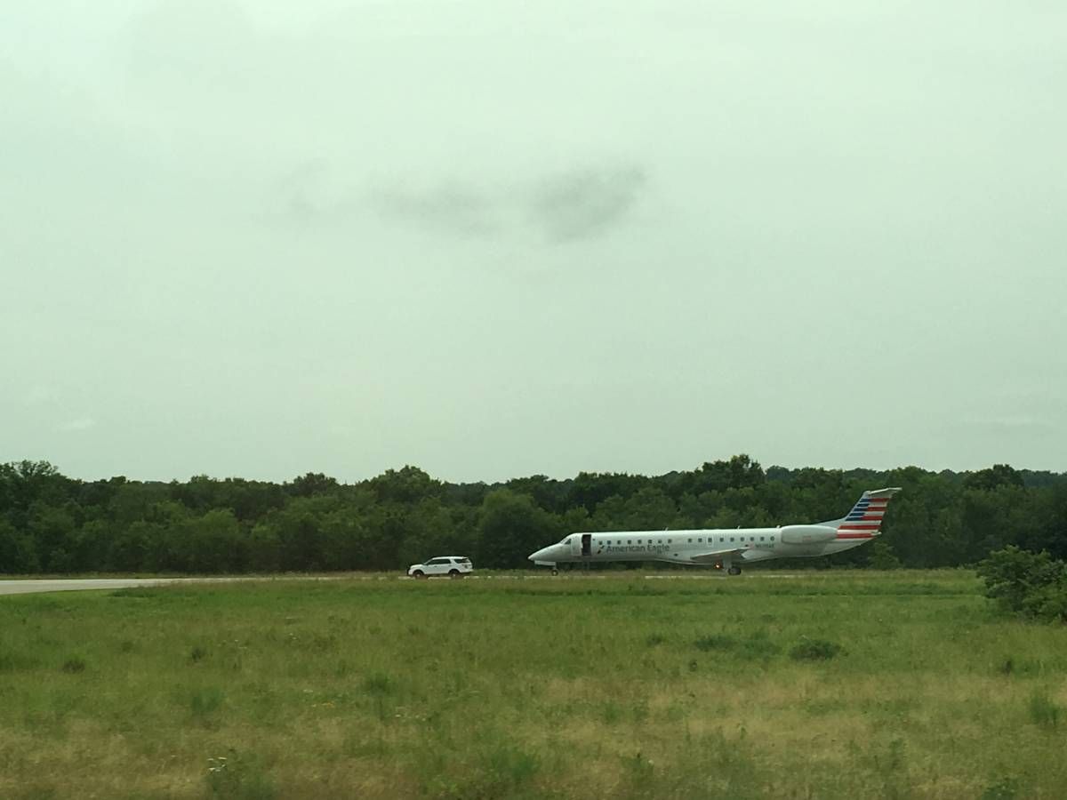 American Airlines Plane Heading To Xna Diverted To Poteau