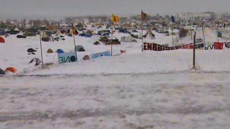 161129170134-dakota-access-pipeline-protest-campsite-snow-november-29-exlarge-tease