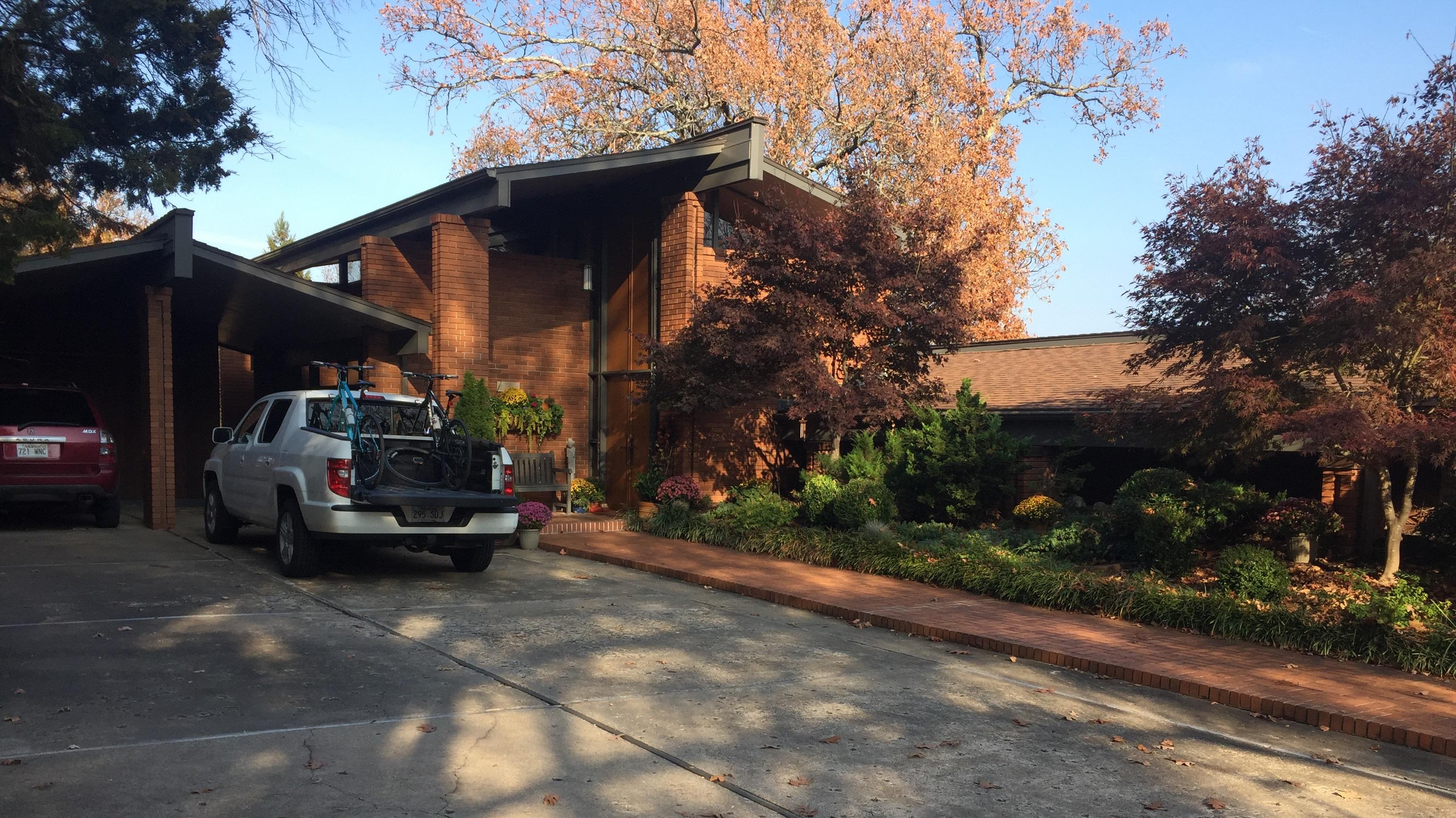 Home in Fayetteville designed by Ernie Jacks.