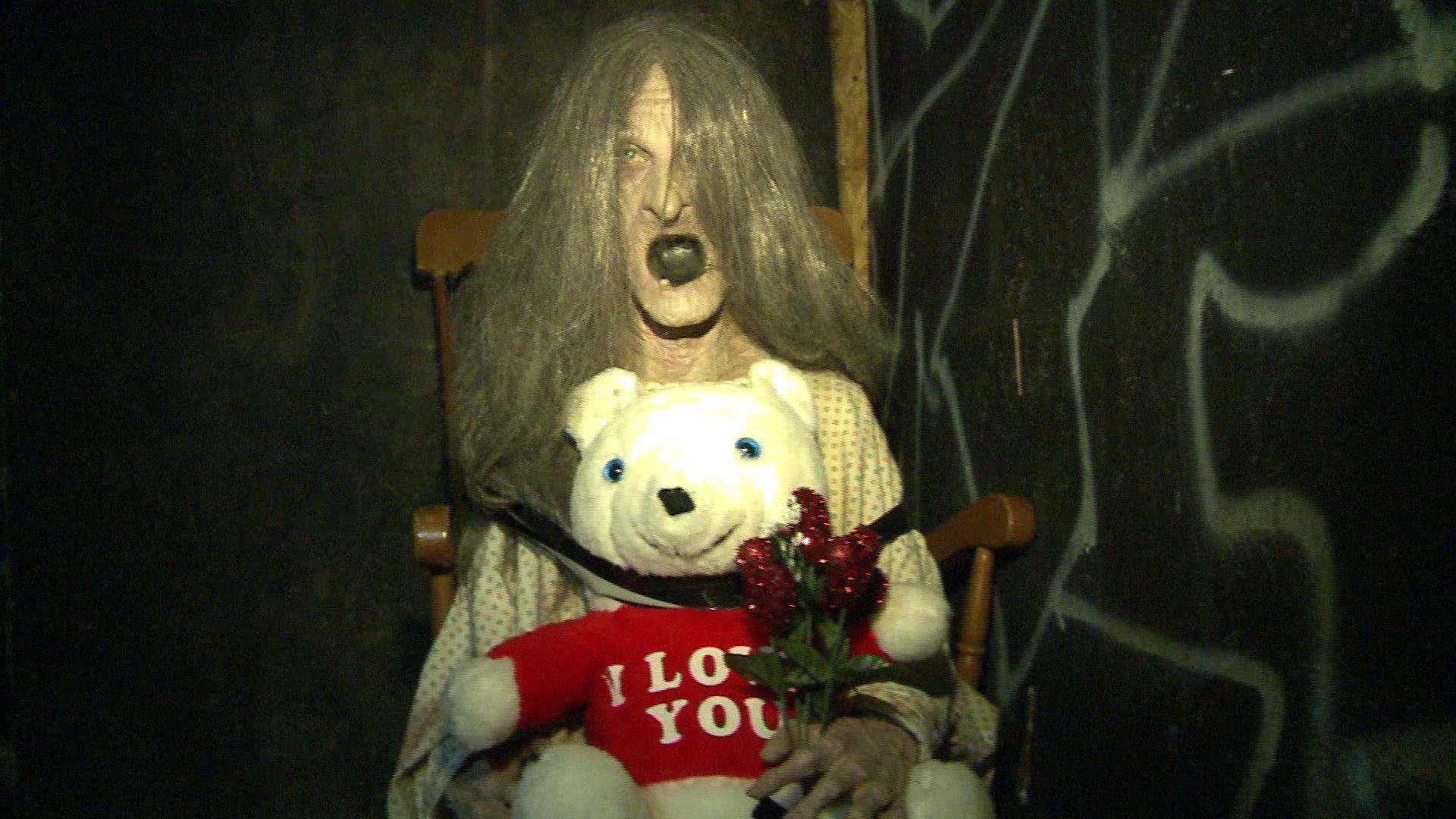 love-haunted-house