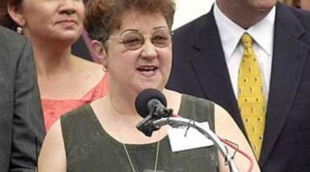 Norma McCorvey, plaintiff in the 1973 landmark case that legalized abortion, addresses the media. (CBS)