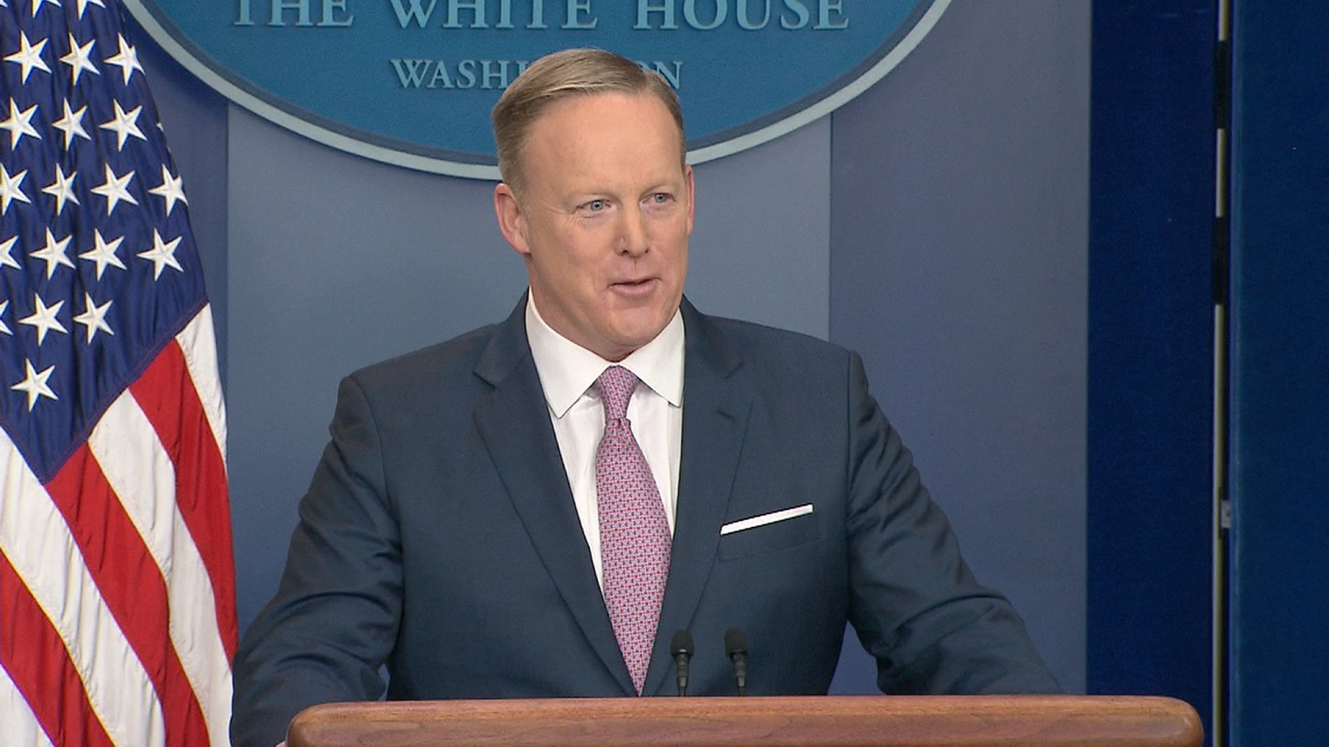 Spicer holds first formal press briefing