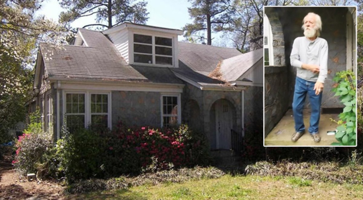 Enjoyable Mysterious Tenant From Zillow Listing For S C Nightmare Beutiful Home Inspiration Semekurdistantinfo