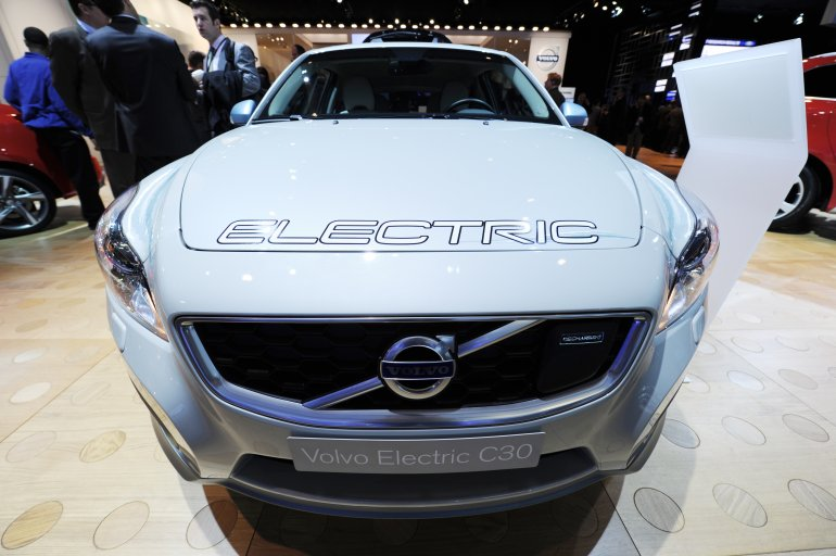 Volvo To Switch To All Electric Cars By Fort Smith