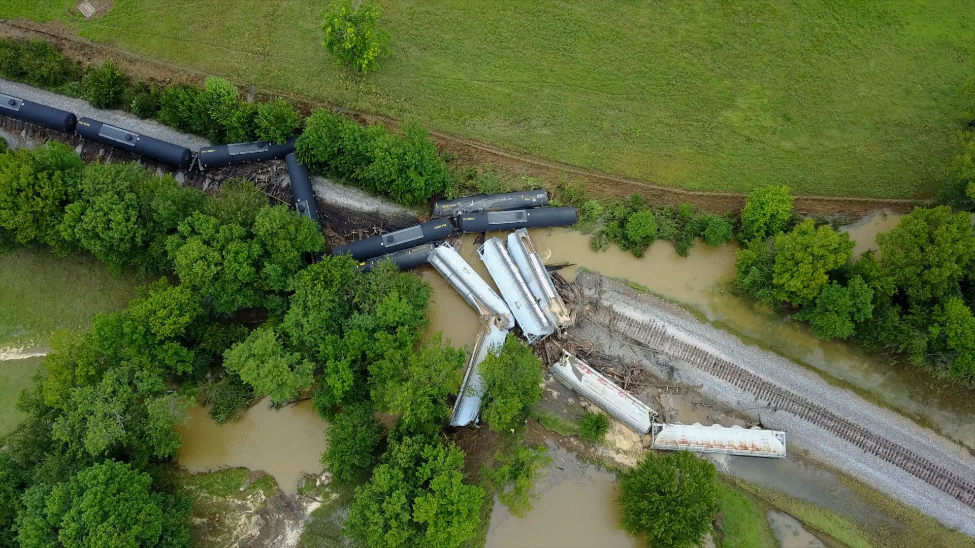 SKY5 Sequoyah County train derailment