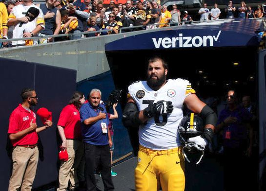 Alejandro Villanueva #78 of the Pittsburgh Steelers stands by himself in the tunnel for the national anthem prior to the game against the Chicago Bears at Soldier Field on September 24, 2017 in Chicago, Ill. (Getty Images).