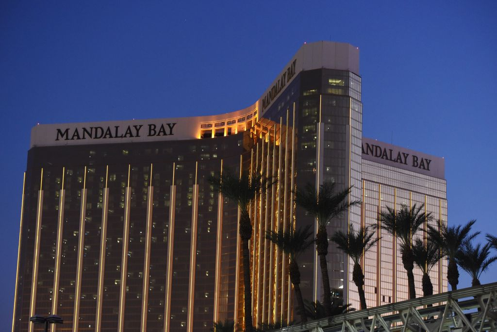 Las Vegas Gunman's Movements Days Before Massacre Revealed in Hotel Video