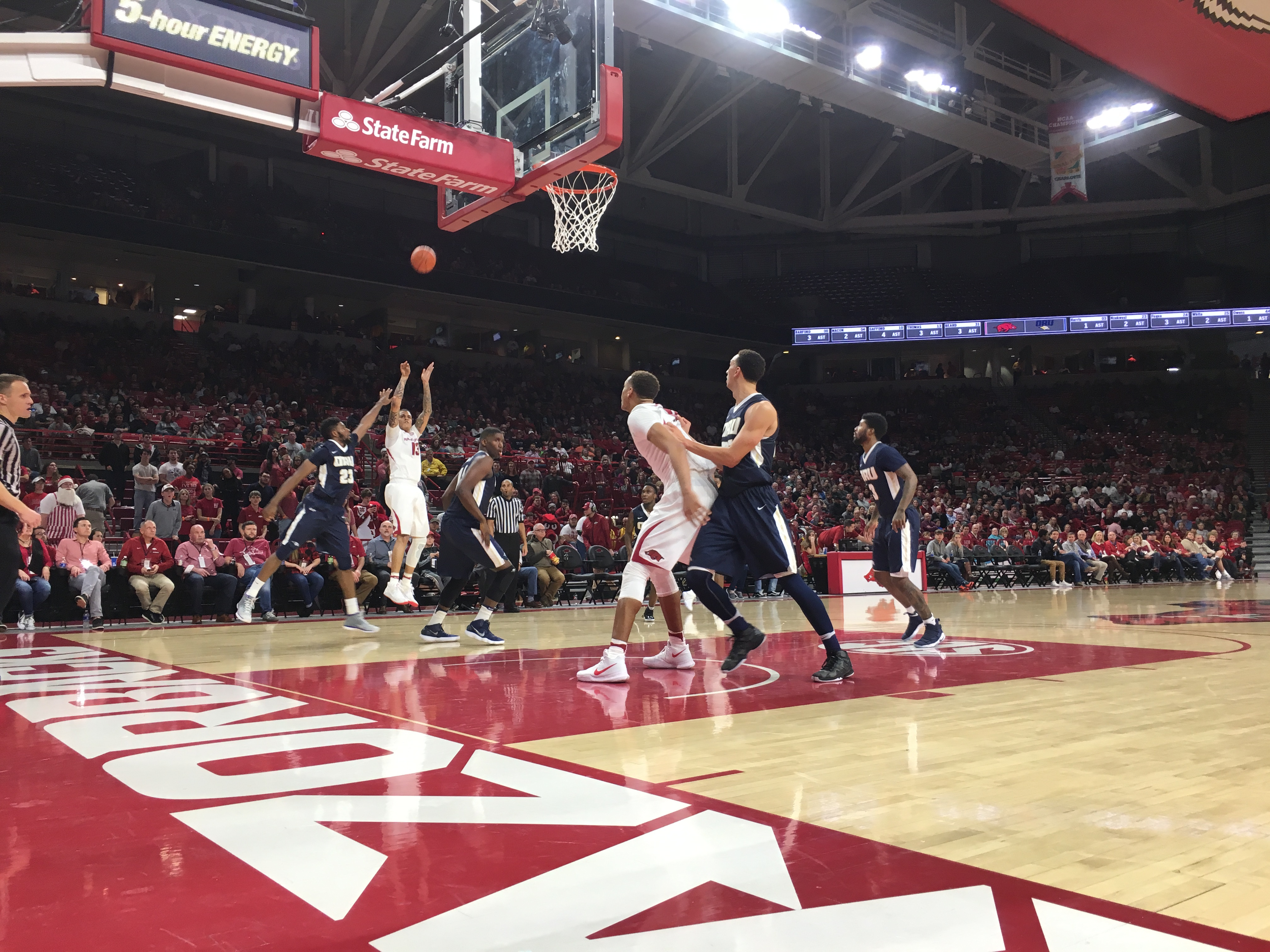 Barford scores 18 to lead surging Arkansas past ORU 104-69