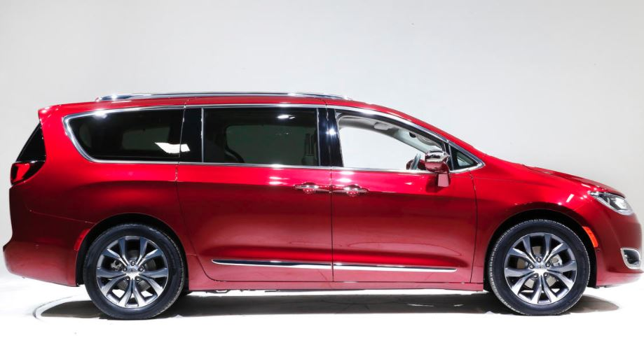 chrysler-pacifica Chrysler Recalls 160000 Pacifica Minivans Over Engine Stall Fears
