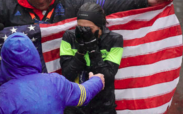 ASU alumna Desiree Linden wins wet, windy Boston Marathon for USA
