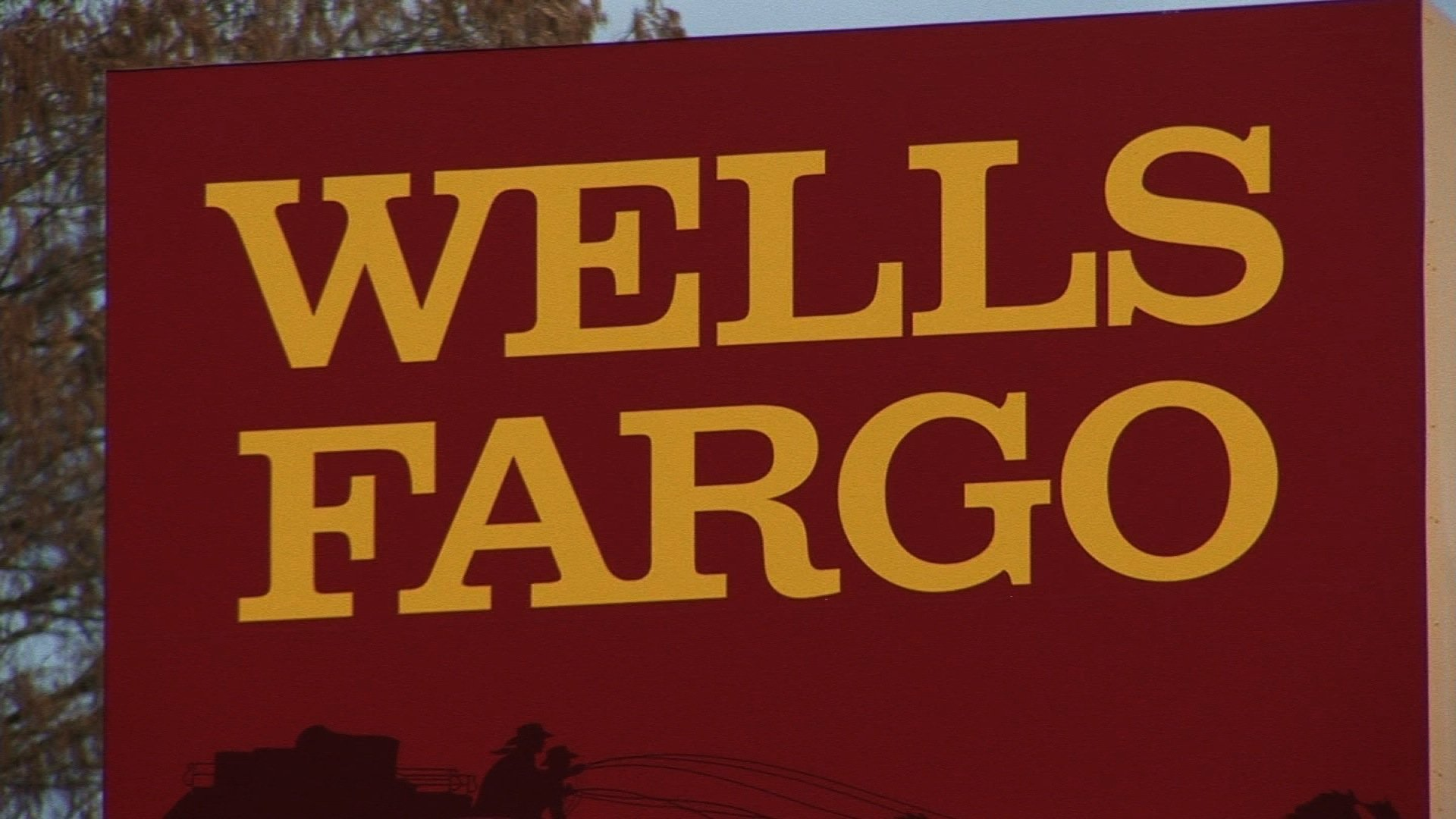 Klingman & Associates LLC Invests $552000 in Wells Fargo