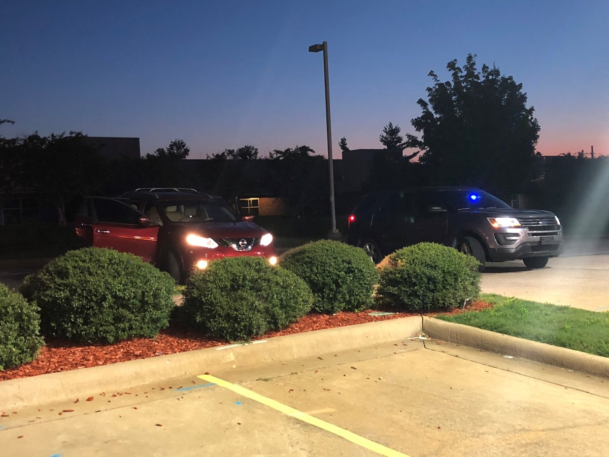Police Chase Through Fayetteville Ends In Foot Chase In Springdale | Fort Smith/Fayetteville News | 5newsonline KFSM 5NEWS