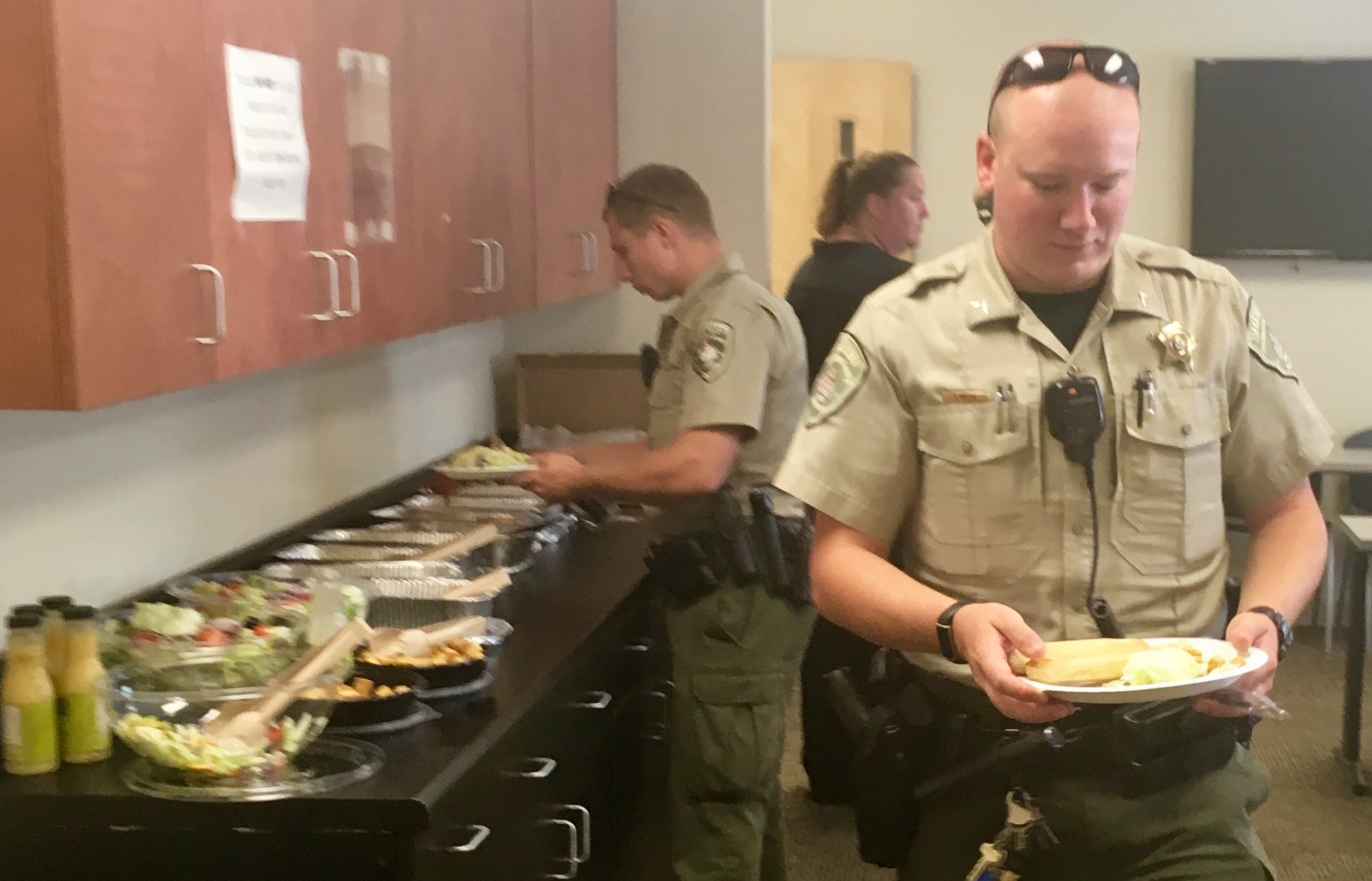 Olive Garden Honors Local First Responders With Free Labor Day Lunch ...